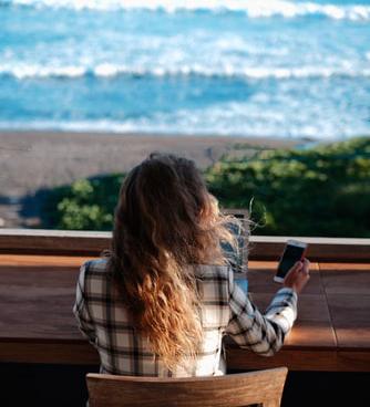 side hustle digital nomad